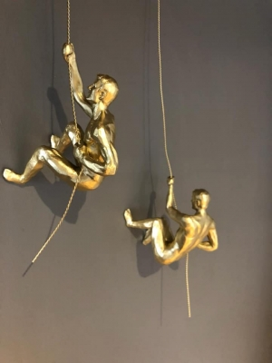 Set of 2 Climbing Men Image