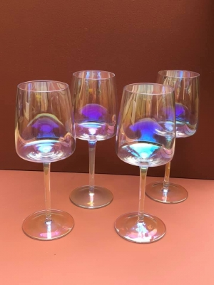 4 Pearl Wine Glasses Image